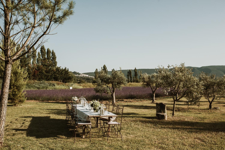 repas de mariage au pied du luberon en Provence