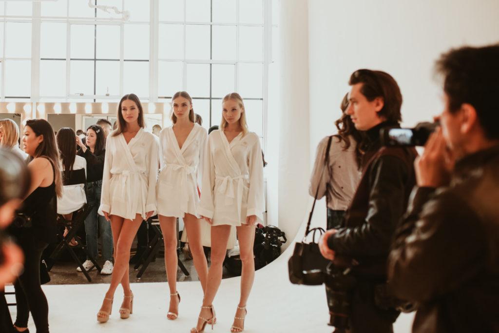 Coulisse d'un défilé de mode à New-York