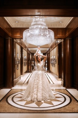 photoshoot de robe de mariées dans un hôtel a new york. robe de mariage de luxe, création gemy maalouf