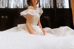 robe de mariée avec épaulettes en crochet à new york