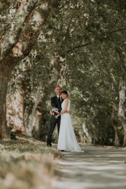photos de couple pendant le mariage à saint tropez, mariage chic et raffiné