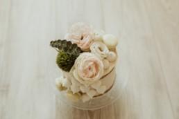 Wedding cake, gâteau de mariage, layer cake avec meringue et fleur au grau-du-roi