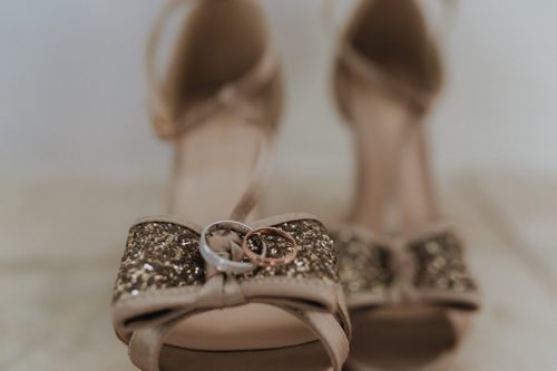 chaussures et alliances mariage velleron Provence