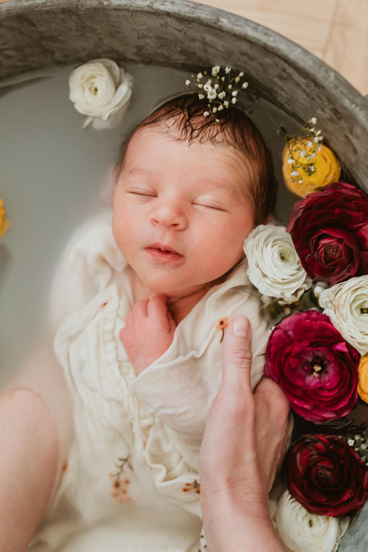 Meilleur photographe naissance nouveau-né Montpellier Marsillargues