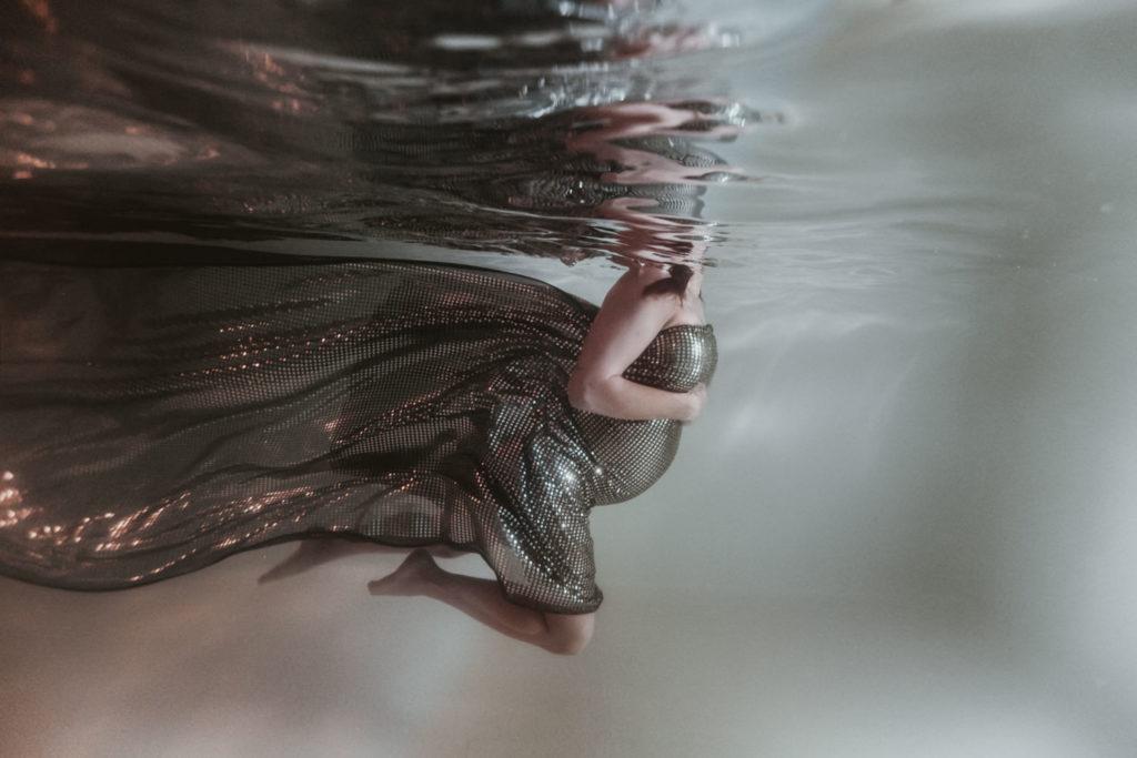 photographe aquatique grossesse piscine